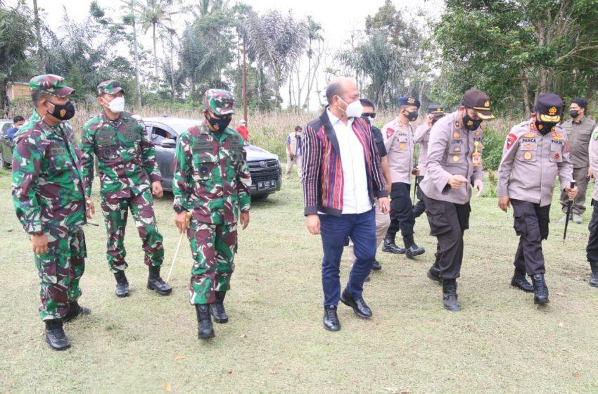 Bupati Tapanuli Utara Drs Nikson Nababan bersama Pangdam I BB Mayjend TNI, Kapolda Sumut dan Kabinda berkunjung ke Garoga, Rabu (26/05/2021).