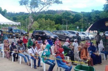 Vaksinasi di Temenggung Abdul Jamal Batam Tertib dan Teratur