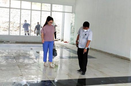 Komisi II DPRD Nisel Sidak, Asazatulo Giawa: Timbul Air dari Dalam Lantai Keramik