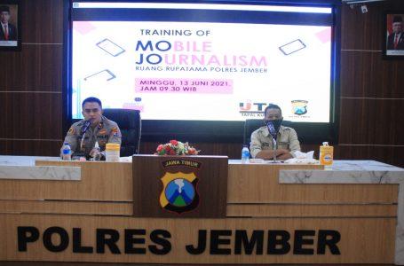 IJTI Jember Inisiasi Training Of Mobile Journalism di Polres Jember