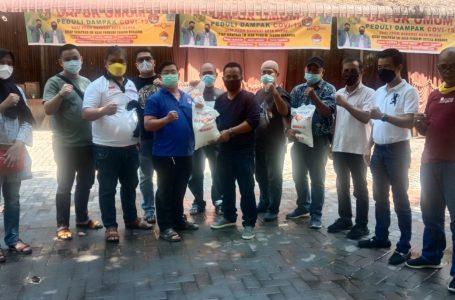 Bantu Jurnalis di Masa Pemberlakuan PPKM, Komunitas SATU HATI Bagi Sembako ke Ratusan Wartawan