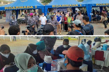 Ribuan Warga Ikuti Vaksinasi Yang Digelar TNI AL di Marrakash Sguare Bekasi