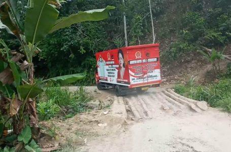 Anggota DPRD Dairi Minta Jalan Berkonstruksi Batang Kelapa di Sopo Butar Diperbaiki