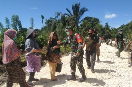 Gotong Royong Warga Bersama Satgas TMMD Kodim 0115/Simeulue