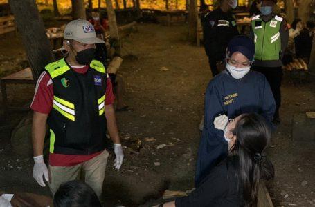 Hari Pertama PPKM Darurat Diberlakukan, Petugas Gabungan Bubarkan Kerumunan di Bojonegoro