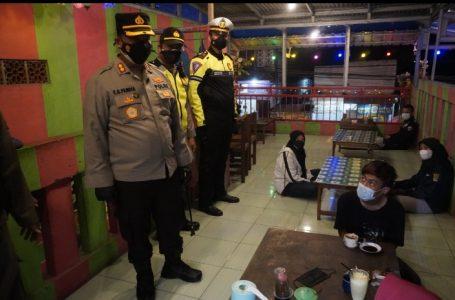 Langgar PPKM Darurat, Belasan Warkop Dan Cafe di Bojonegoro Disegel Petugas Gabungan