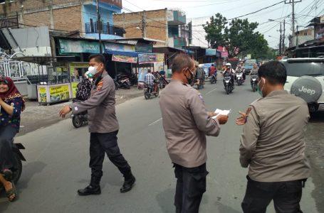 Cegah Penyebaran Covid-19, Polsek Medan Area Bagikan Masker