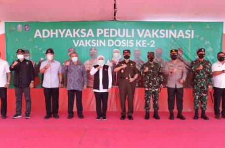 Forkopimda Jatim Melaksanakan Vaksinasi Tahap 2 di Islamic Center Surabaya