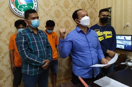 Warga Resah, Polres Labuhanbatu Adakan Pengeledahan Dua Orang Diduga Pemakai Sabu Diamankan