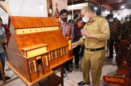 Bupati Taput Launching Galeri UMKM Sopo Partungkoan