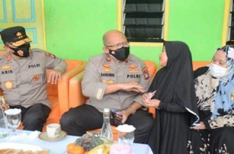 Polda Kepri Vaksinasi Santri Pondok Pesantren di Tanjungriau