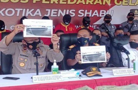 Bawa Sabu 107,258 Kg, 5 Pelaku Tertangkap di Perairan Pulau Putri